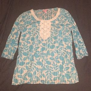 Lilly Pulitzer butterfly 3/4 sleeve top Sz Small